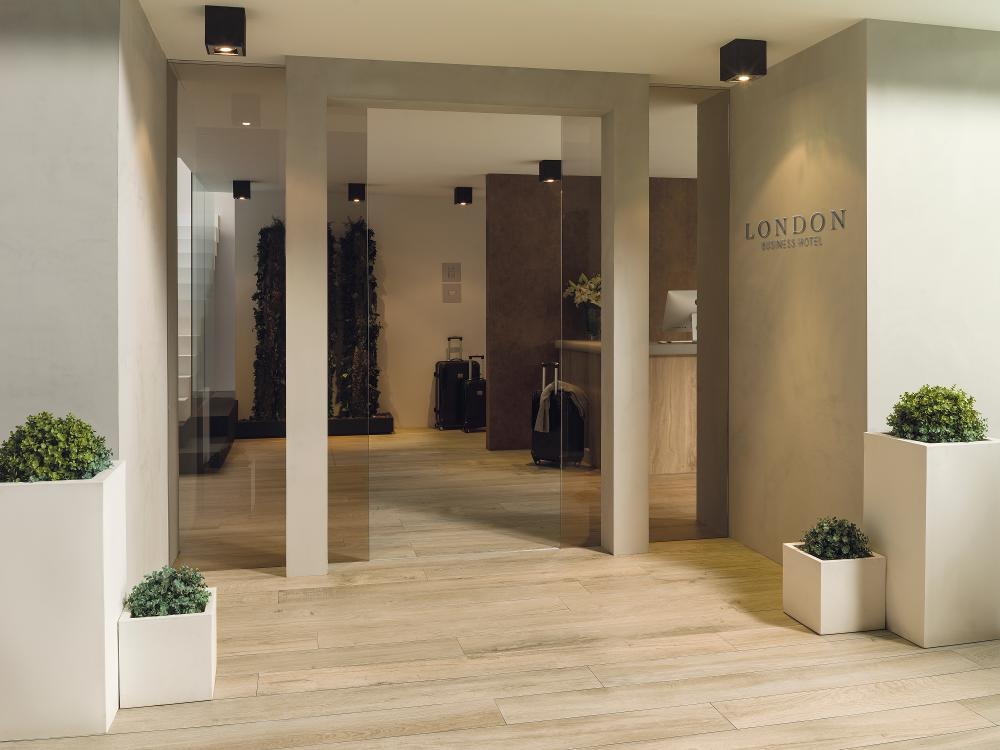 Porcelanosa Manhattan Maple Floor Installation Image 1